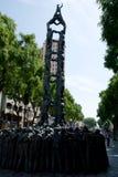 TARRAGONA, ESPAÑA - 28 de agosto de 2017: la estatua de la gente que hacía torres humanas, un espectáculo tradicional en Cataluña fotografía de archivo libre de regalías