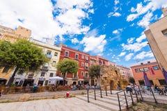 TARRAGONA, ESPANHA - 1º DE MAIO DE 2017: Ideia da área do fórum provincial Parte da cidade velha Café da rua Copie o espaço para Fotos de Stock Royalty Free