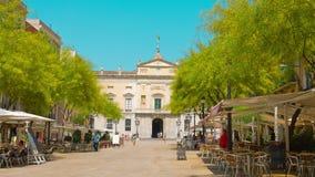 Tarragona, Espanha, estabelecendo o restaurante do café do tiro fora video estoque
