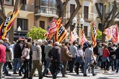 TARRAGONA HISZPANIA, MAJ, - 01, 2017: Ludzie przy ulicą Tarragona przy demonstracją 1st mogą Obrazy Royalty Free