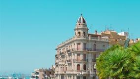 Tarragona na Espanha, bolhas de sabão, estabelecendo a casa de apartamento do tiro e o porto filme