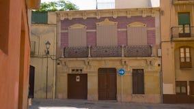 Tarragona na Espanha, casa de cidade velha espanhola que estabelece o tiro video estoque