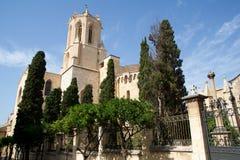 TARRAGONA SPANIEN - AUGUSTI 28th, 2017: dagsikt med blå himmel av Catedralen de Santa Maria i landskapet Tarragona Det Arkivbilder