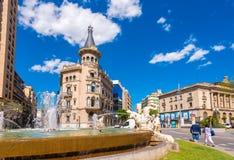 TARRAGONA, SPANIEN - 1. MAI 2017: Brunnen verziert mit den Skulpturen, die vier Kontinente darstellen Der Jahrhundert ` s Brunnen lizenzfreies stockfoto
