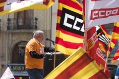 TARRAGONA SPANIEN - MAJ 01, 2017: Folket på gatan av Tarragona på demonstrationen av 1st av kan Royaltyfri Bild