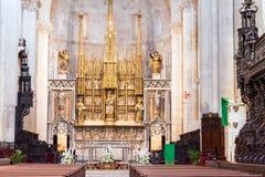 TARRAGONA SPANIEN - OKTOBER 4, 2017: Sikt av altaret i domkyrka för Tarragona domkyrkakatolik Kopiera utrymme för text Royaltyfri Bild