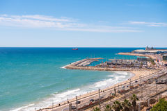 TARRAGONA, SPANJE - MEI 1, 2017: Haven en station in Tarragona, Catalunya, Spanje Exemplaarruimte voor tekst Stock Afbeeldingen