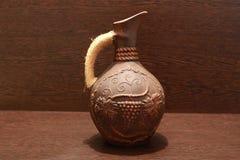 Tarro de cerámica de color marrón Imagen de archivo