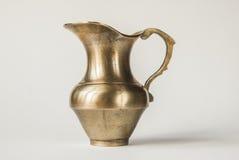 Tarro de cobre amarillo Imagen de archivo