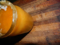 Tarro de cristal con la miel del ucraniano del azúcar Imágenes de archivo libres de regalías