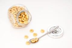 Tarro de cristal por completo de cereales Fotos de archivo