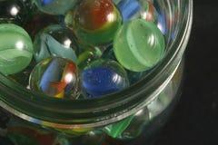 Tarro de mármoles imagen de archivo