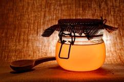 Tarro de miel Imágenes de archivo libres de regalías