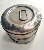 Tarro del metal para el almacenamiento de medicinas Foto de archivo