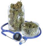Tarro médico con marijuana Fotografía de archivo libre de regalías