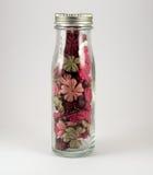 Tarro por completo de flores del arte popular Imagen de archivo libre de regalías