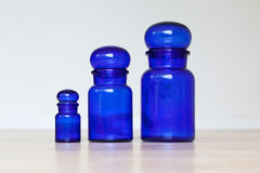 Tarros de cristal azules Imágenes de archivo libres de regalías