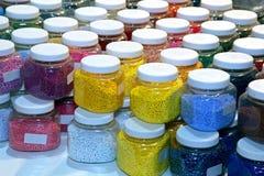 Tarros del color Fotos de archivo libres de regalías