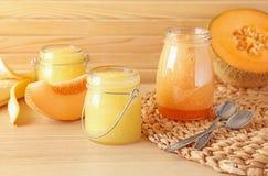 Tarros del smoothie fresco del melón Fotografía de archivo libre de regalías