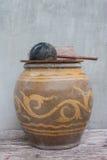 Tarros tradicionales del agua de Tailandia Foto de archivo libre de regalías