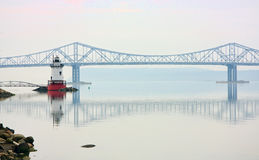 Tarrytown Lighthouse. And Tappan Zee Bridge on the Hudson River in New York Stock Photography