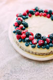 Tart with berries and custard Royalty Free Stock Photography