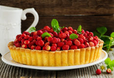 Tart with forest strawberries Royalty Free Stock Photos