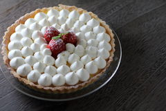 Tart with fresh cream. And strawberries Stock Photography