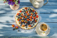 Tart with fruit and cream Royalty Free Stock Images