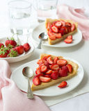 Tart with Greek yogurt and fresh strawberries Royalty Free Stock Images