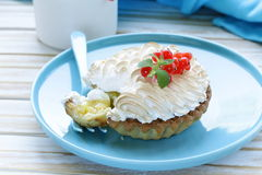 Tart with lemon cream and meringue Stock Photography
