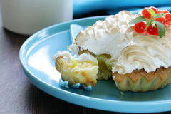 Tart with lemon cream and meringue Royalty Free Stock Images