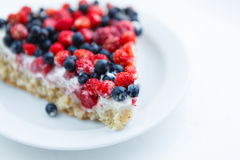 Tart with strawberries and blueberries Stock Photography