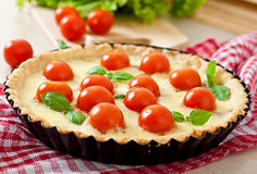 Tart with tomato and cheese Royalty Free Stock Photography