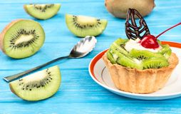 Tarta con el kiwi Fotos de archivo