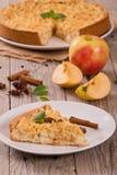 Tarta de manzanas de la migaja fotografía de archivo libre de regalías