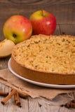 Tarta de manzanas de la migaja Imagen de archivo libre de regalías