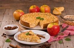 Tarta de manzanas de la migaja fotos de archivo libres de regalías