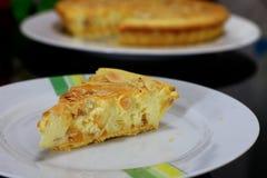 Tarta del queso de la almendra fotos de archivo