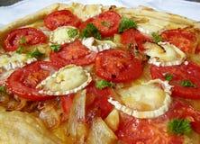 Tarta del queso y del tomate de cabra Fotografía de archivo libre de regalías