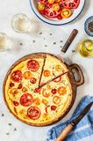 Tarta del tomate y del tomillo Imagen de archivo libre de regalías