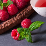 Tarta deliciosa del chocolate de la frambuesa con queso del ricotta fotos de archivo