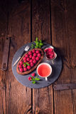 Tarta deliciosa del chocolate de la frambuesa con queso del ricotta imágenes de archivo libres de regalías