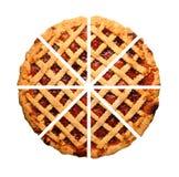 Tarta entera hecha en casa cortada de la mermelada de fresa aislada Imagenes de archivo