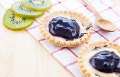 Tarta y kiwi Fotos de archivo