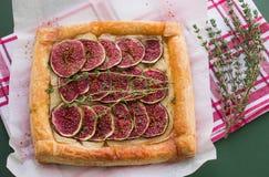 Tarta z figami i Camembert Zdjęcie Royalty Free
