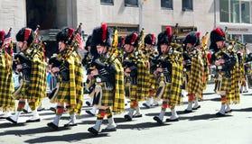 tartan scottish парада дня стоковые фото