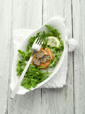 Tartare di color salmone con il tartufo Immagini Stock