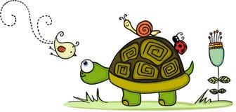 Tartaruga in giardino con gli amici animali Fotografia Stock Libera da Diritti