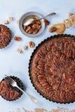 Tarte aux noix de pécan de caramel photos libres de droits